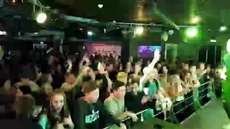 Итаак, поехалиии Школьная дискотека в Клубе Пепел