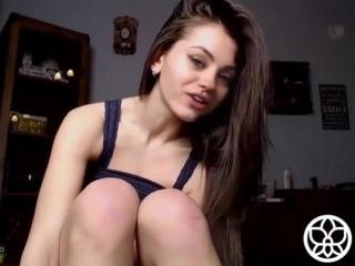 Мила кунис секс видео