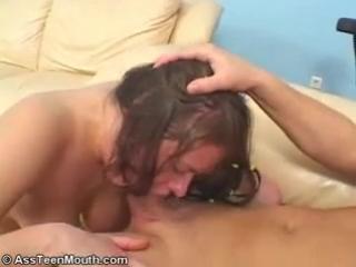Малолетку жестко отодрали! - студентки/малолетки/молоденькие(секс,порно,эротика) от клуба http://vkontakte.ru/club9715427