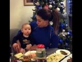 Экс-участница «Дом 2» Лиза Шароха за праздничным столом со своим маленьким сыном