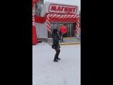 не важно где и как ))не важно какая погода )) я танцую :D