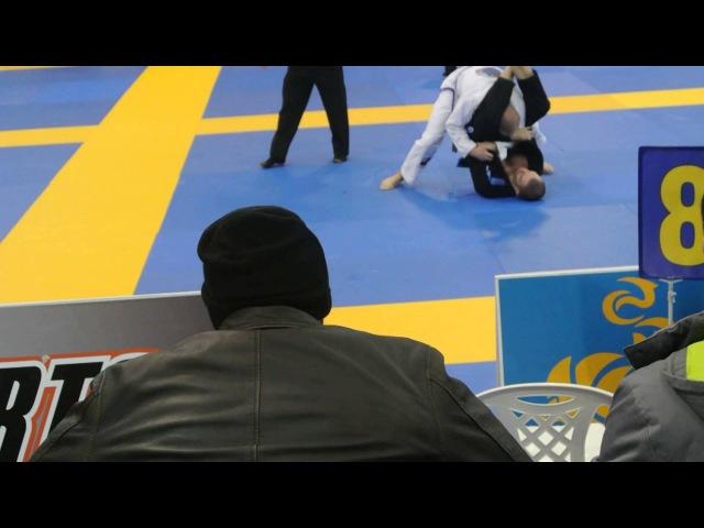 European Open BJJ 2014 Blue belt Adult Medium Heavy 88,3 1 32 Final MAGOMET MATIEV Perry andre