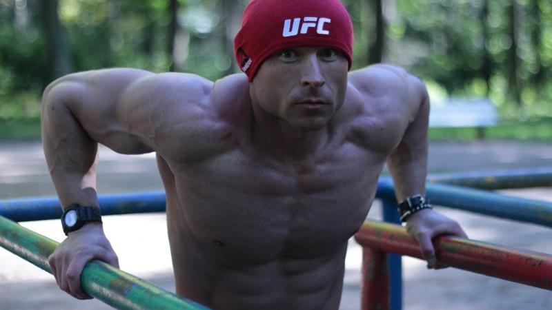 Невероятная тренировка для похудения - Сжигаем жир на улице - Турник брусья кувалда - Ярослав Барин