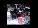 В Екатеринбурге грабитель с ружьём устроил стрельбу в магазине