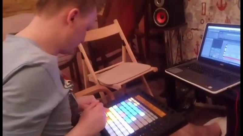 Live Lars-Boris Push-Elektron Analog 4