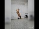 На занятии Pole Dance Алины Kosh - ученица Елена (Avenue Art lab)