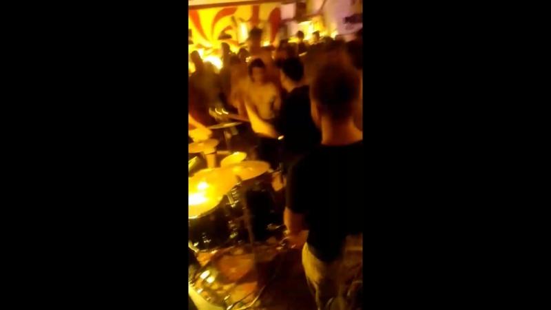 досвидошь - лоботомия (Punk Rock in Poddon bar)