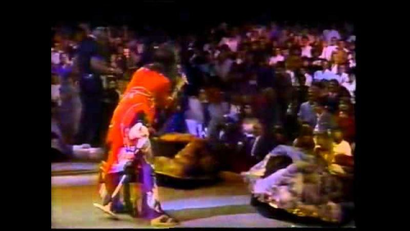 Run DMC and Aerosmith - Walk This Way - MTV LIVE 1987.mp4