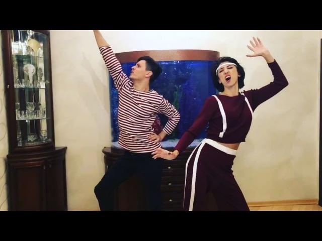 """Андрей Борисов on Instagram """"Мама и сын «Танцы» - режиссерская версия. Найди отличие 😂 всем хорошего настроения! @tatarkafm I love you mom ❤️ Отме..."""