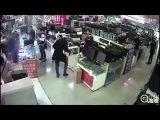 Un hombre muerde un iPhone y el teléfono explota