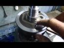 Снятие внутренней обоймы роликового подшипника с коленвала