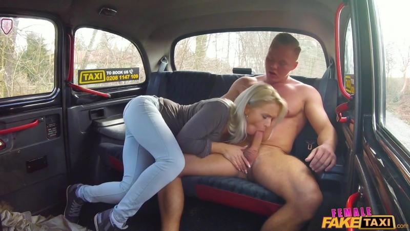 Таксист подвез зрелую порно, очень красивые жопы
