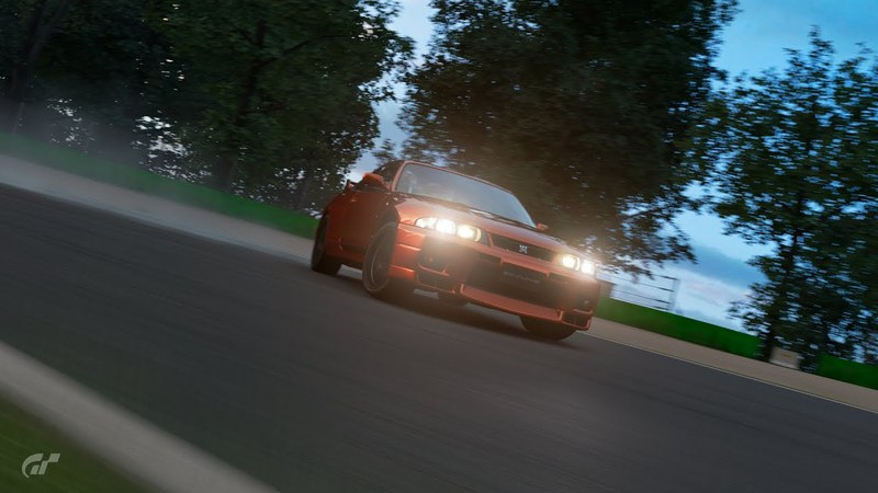 Gran Turismo Sport Nissan Skyline GT-R V-SPEC на трассе MONZA