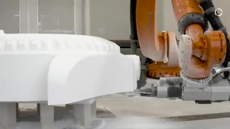 Робот KUKA создаёт скульптуру
