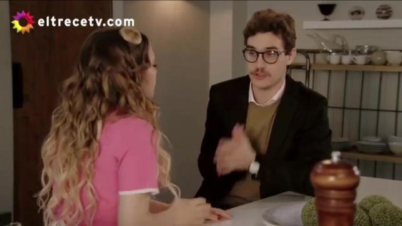 Simona recibe una propuesta