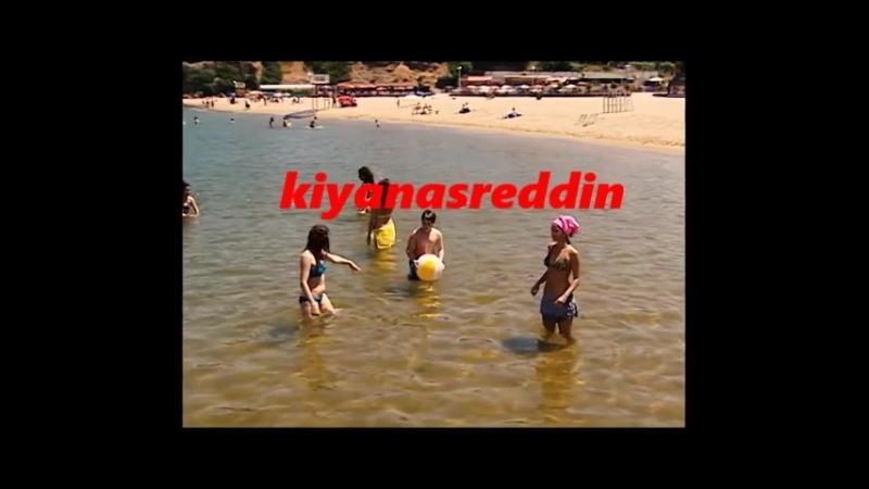 Türk TV dizisi Akasya Durağı hatunları denizde bikinili frikik - uzunu sonra