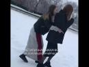 Теперь девочки кидают в снег Нетипичная Махачкала