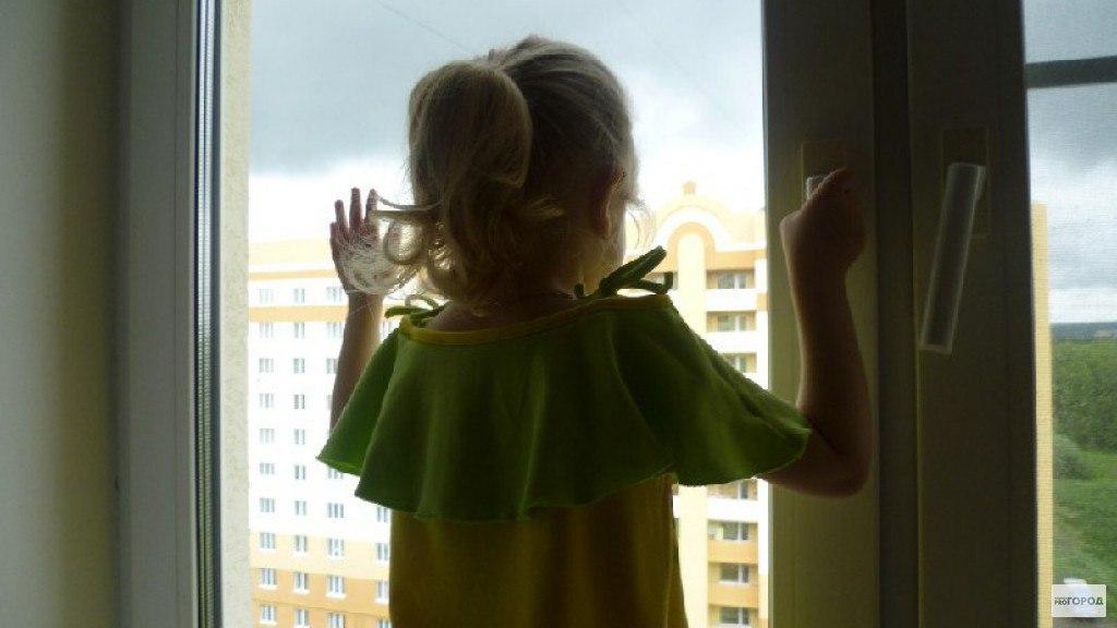 6-летняя девочка пустила грабителей в дом, но они не смогли войти от увиденного...