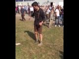 Drunk Man vs His Shoe At Oktoberfest