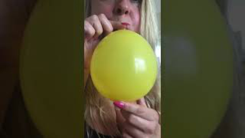Balloon fetish play blow