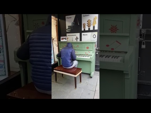 Street Piano Players Marvellous Medley Goes Viral