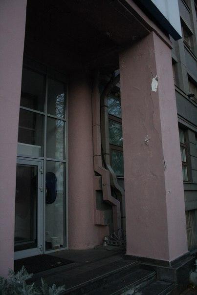 Ростелеком не сыкует красить в цвет фасада трубы