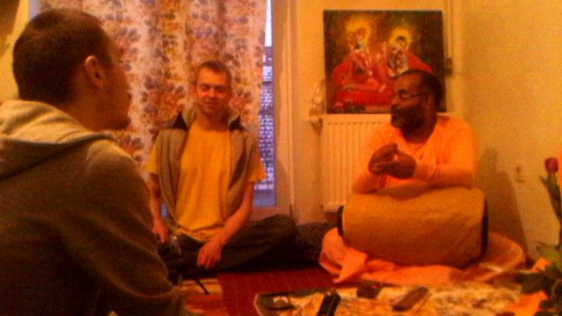 Важливість поклоніння Шрі Рамачандрі та Шрі Нарасімсі для Гаудія-Вайшнавів
