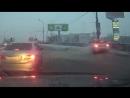 Женщина на Range Rover сбила пешехода и въехала в столб на востоке Москвы