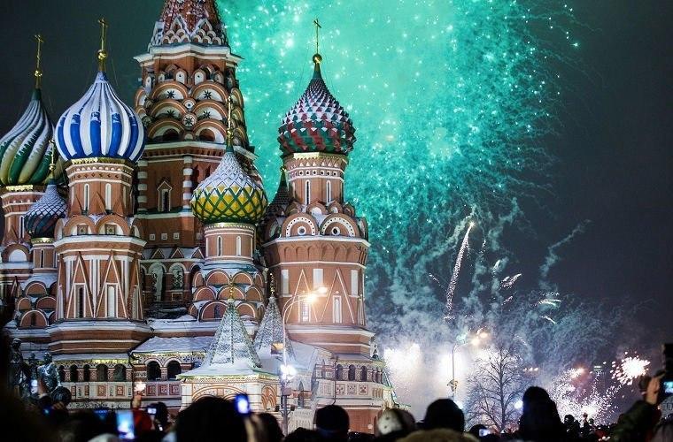 tQlvGIlHVFc - Русский Новый Год в шокирующих традициях