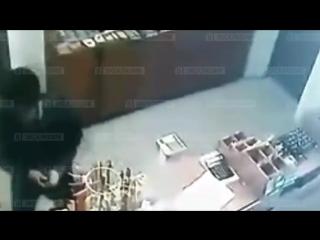 Саратовская пенсионерка избила грабителя