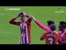 Испанский вратарь забил фантастический гол с 65 метров в день рождения видео