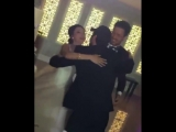 النجم ArasBulutİynemli في حفل زفاف صديقه يؤدي رقصته الشهيرة على انغام اغنية هيجان ميجان يوك - çukur