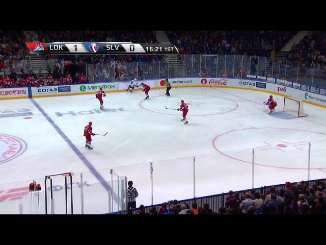 Моменты из матчей КХЛ сезона 16/17 • Удаление. Михал Ржепик (Слован) удалён на 2 минуты за опасную игру высоко поднятой клюшкой