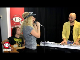 Delia - Happy (Pharell) & Drunk in love (Beyonce) [live @ Kiss FM]