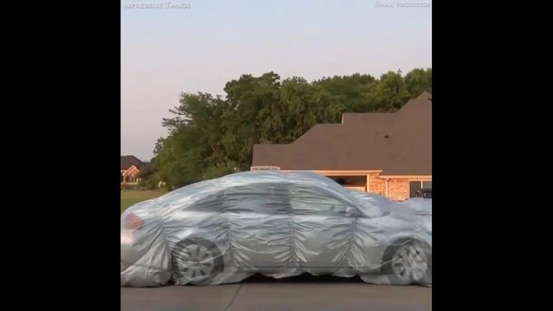 Именно так житель США оберегает свой автомобиль от града