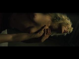Интимная Сцена С Марисой Томей – Фактотум (2005)
