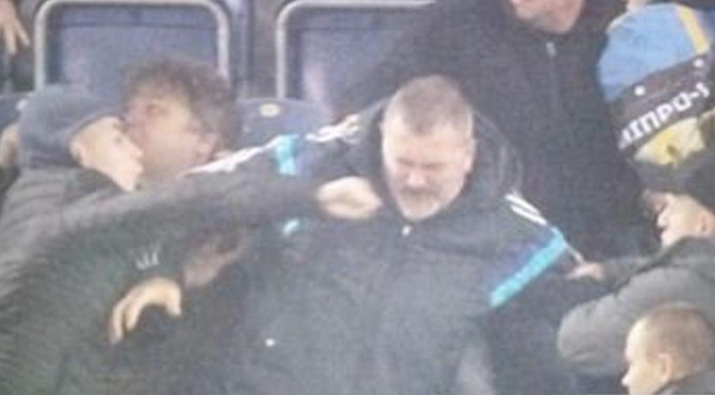Украинские фанаты избили президента футбольного клуба прямо во время матча