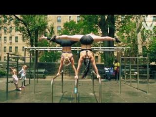 SLs Amazing FLEXIBLE and STRONG Calisthenics Girls