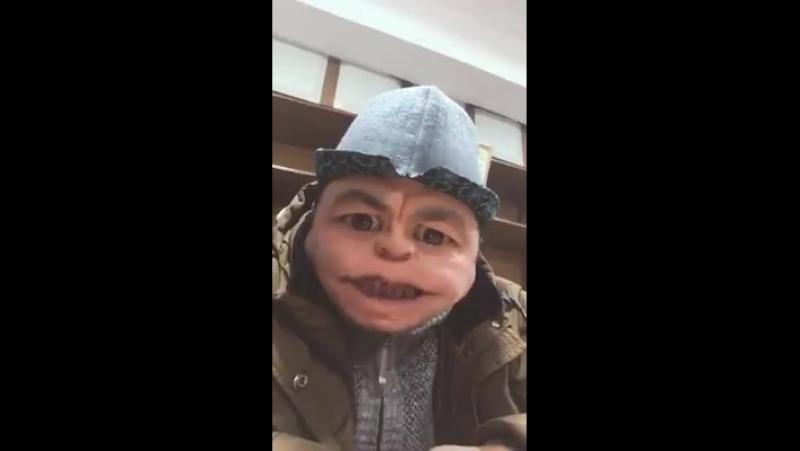 Уялчаак депутатка жооп))