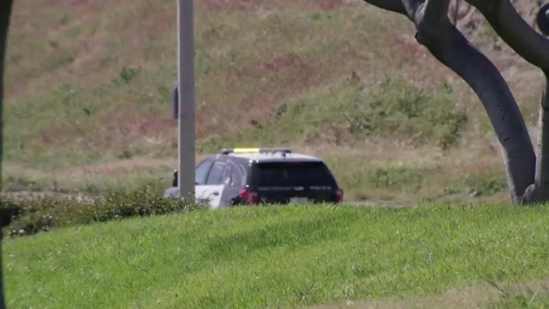 Парень удрал от полиции перепрыгнув железнодорожные пути
