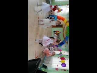 красивый танец Вальс удивительные малыши
