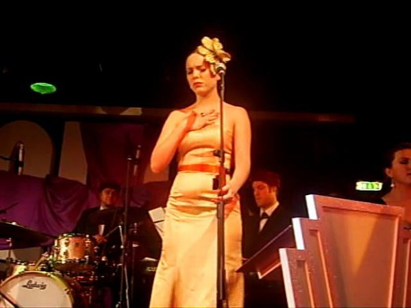 Imelda May - 2000 Miles - Candy Box Burlesque