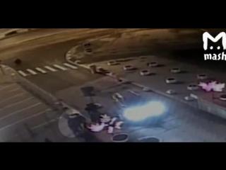 Избиение Гнойного в Петербурге попало в объектив камеры наблюдения