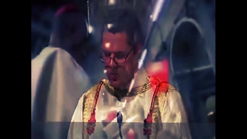 Католическая церковь: папа Римский служит мессу Люциферу.