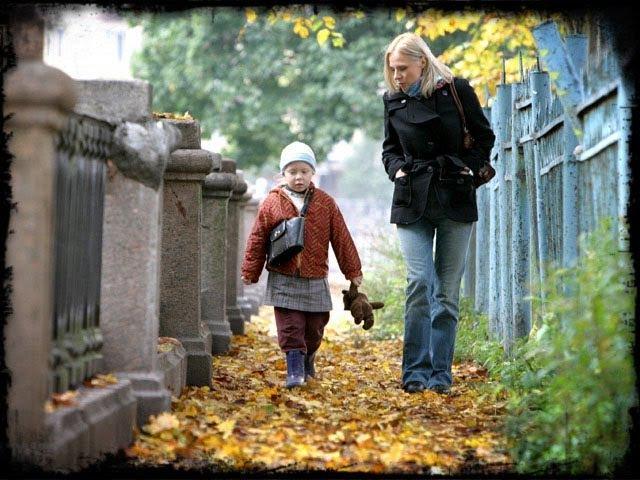 Кука 2007 Девочка Сирота Вела Хозяйство дома одна Мелодрама Жизненный фильм