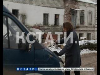 Вандалы, разворовывающие объекты культурного наследия, попытались задавить защитника