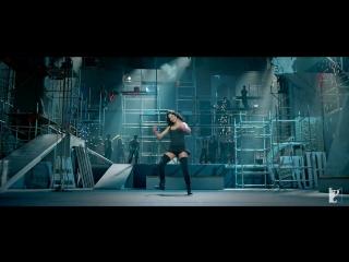 Kamli - ¦ Dhoom 3 ¦ Katrina Kaif ¦ Aamir Khan ¦ Sunidhi Chauhan ¦ Pritam.(2013)