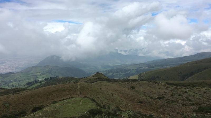 Обзорная площадка Кито на высоте 4050 м.