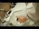 В пятизвездочных отелях Китая горничные мыли посуду туалетным ершиком