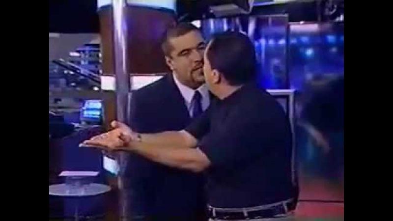 Jorge Kajuru , quase apanha de lutador , apos chama-lo de covarde